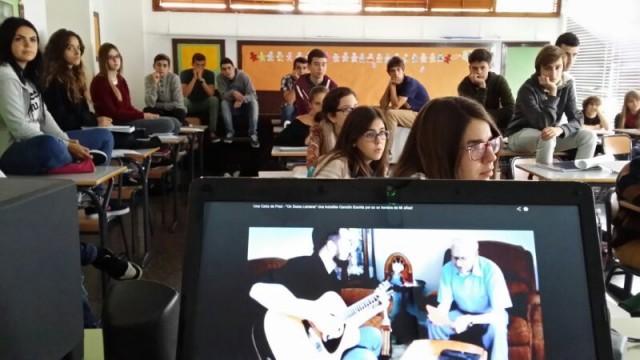 Alumnos del Instituto Hispano-Inglés de Sta Cruz de Tenerife... en el recreo