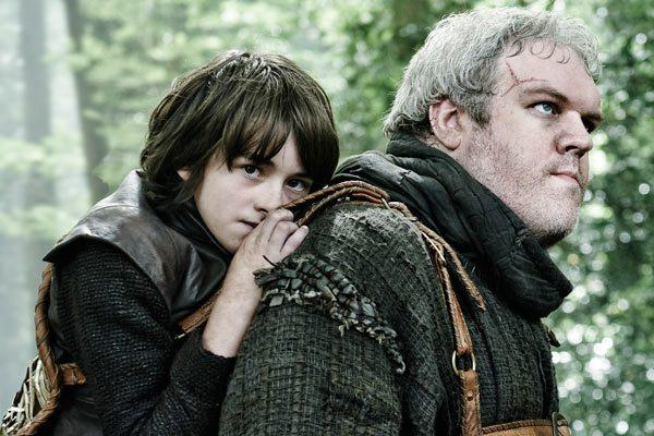 Bran cargado por Hodor. Fuente