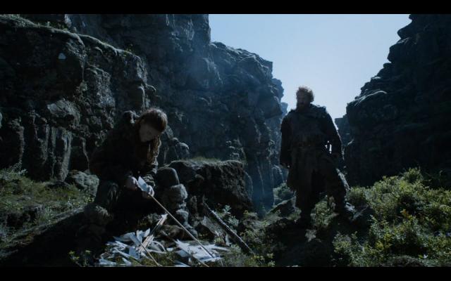 Ygritte preparando flechas de arciano