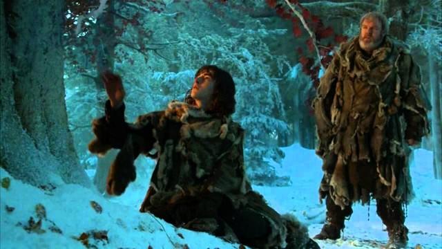 Bran a punto de tocar la corteza del arciano. Fuente