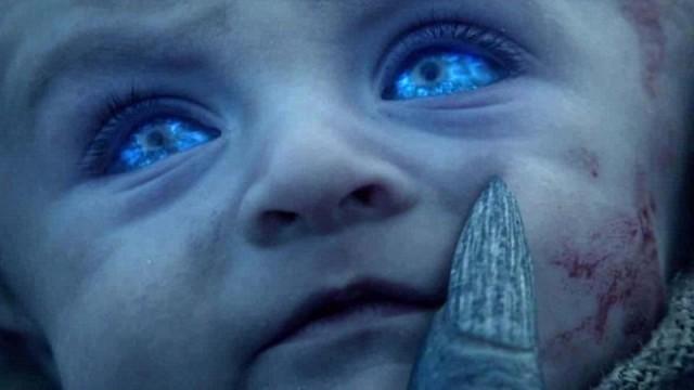 Uno de los hijos de Craster siendo transformado en Caminante. Fuente