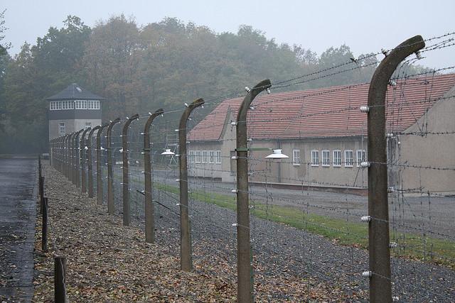 Buchenwald barbed wire -Flickr CC-