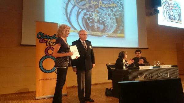 Laura Morrón recogiendo el Premio