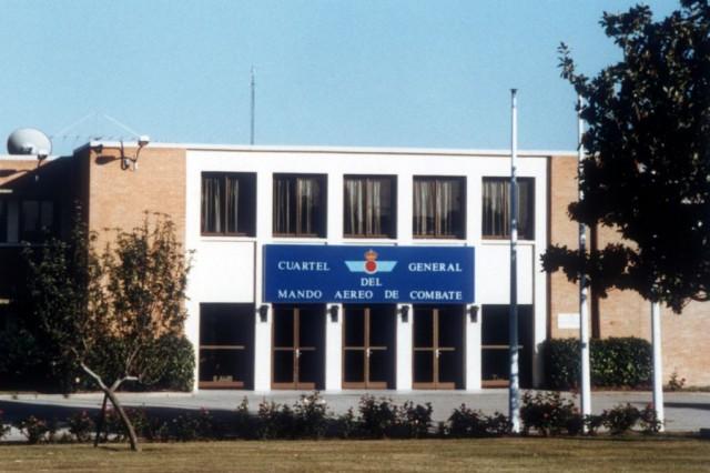 Edificio del Cuartel General del Mando Aéreo de Combate (MACOM). (Foto V.J. Ballester Olmos).