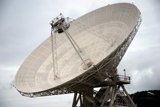 Antena de 70 m en el centro de la red DSN en Robledo de Chavela, Madrid. (Fuente: Thomas Ormston.)