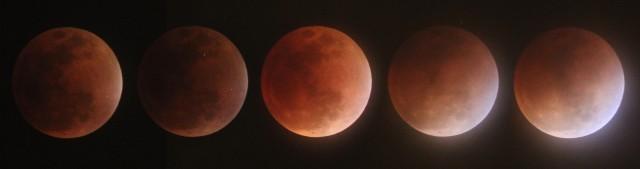 La Luna saliendo de la totalidad del eclipse.