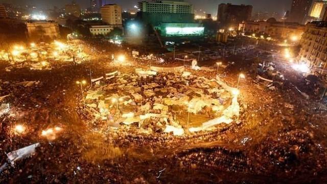 Los movimientos populares de los últimos años (como el de Egipto) también es un proceso viral, aunque algo más saquero.