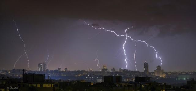 Agua y tormenta | Autor: Dani Caxete