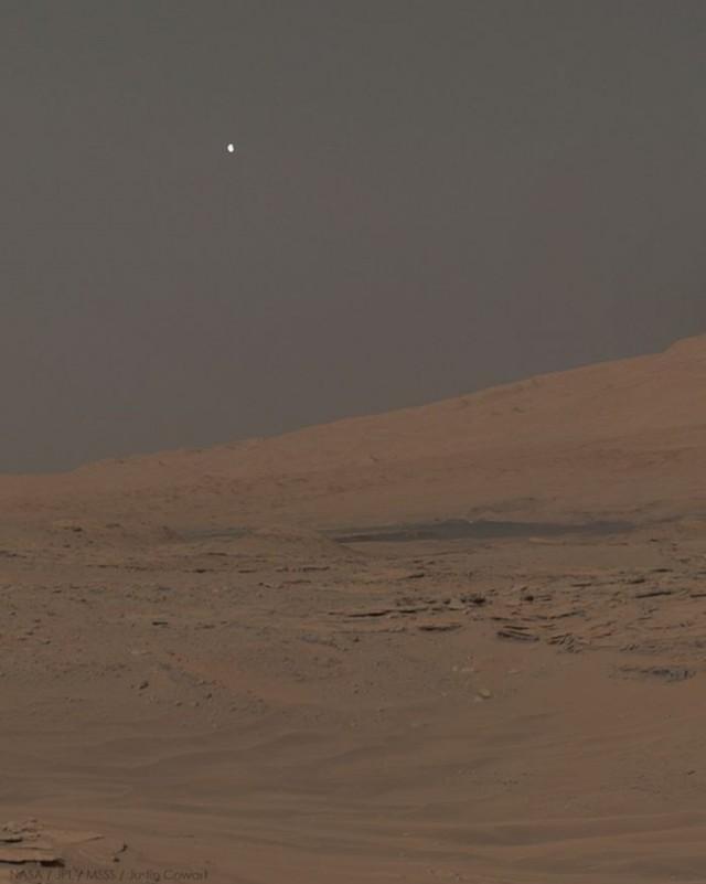 Fobos, visto desde la superficie marciana por el rover Curiosity. NASA/JPL