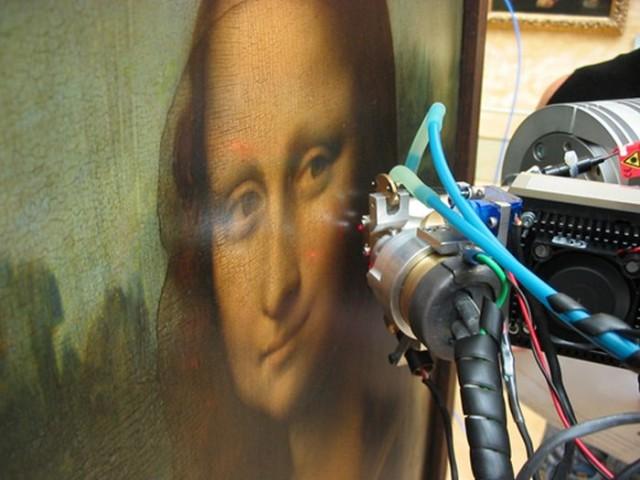Medidas de XRF sobre la Mona Lisa, museo del Louvre 2010 V.A. Solé/ESRF.