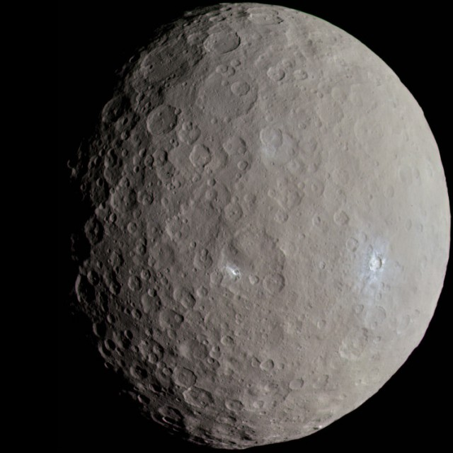 ceres_-_rc3_-_haulani_crater_22381131691_cropped