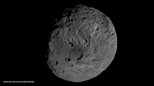 640px-viewing_the_south_pole_of_vesta