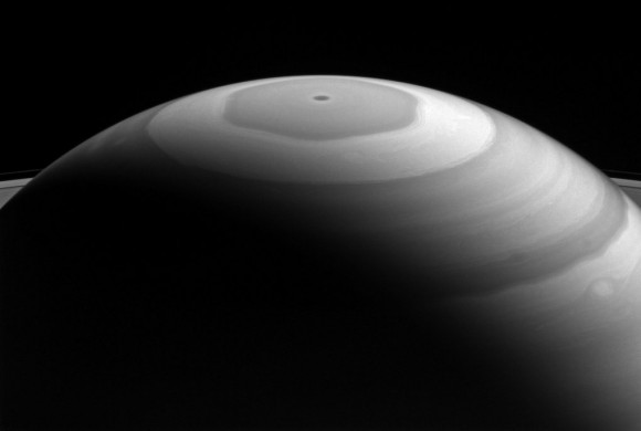 dibujo20161115-saturn-hexagon-nasa-cassini-580x390