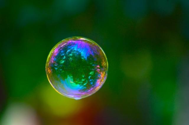 2048px-Bubble_3