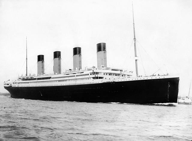 El Titanic saliendo de Southampton el 10 de abril de 1912.