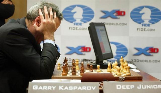 El pobre Kasparov no puede ni con Junior.