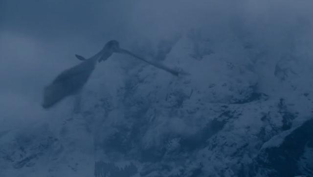 Dragón volando sobre las gélidas tierras de más allá del Muro