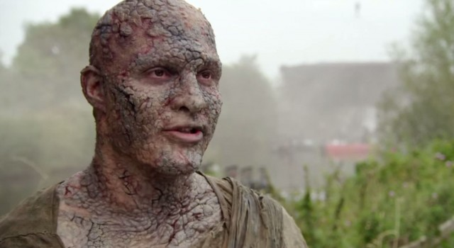 Uno de los actores caracterizado como Hombre de piedra en Juego de tronos. Fuente