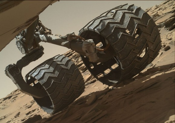 mars-inspection-rover-wheel-PIA20334-br2-580x406