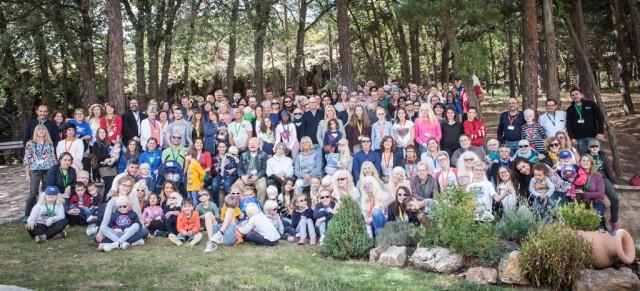 Lluís Montoliu participando en las XI Jornadas anuales de ALBA (Asociación de ayuda a las personas con albinismo) celebradas en Orihuela del Tremedal (Teruel) en septiembre de 2017.