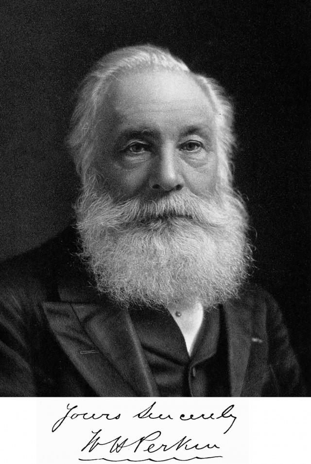 Sir William Henry Perkin, inventor de numerosos tintes sintéticos  que colapsaron el mercado del ácido carmínico