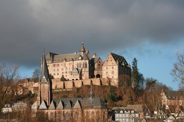 castle-marburg-239201_640