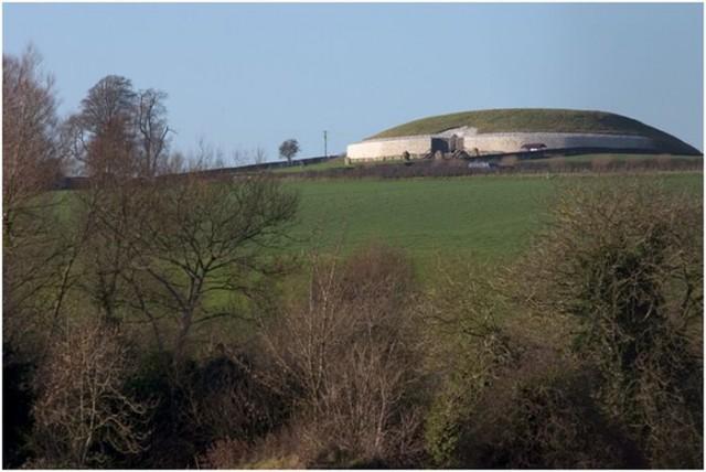 Newgrange | imagen Wikipedia CC