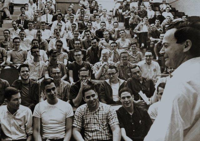 Las Clases de Feynman, 4: ¡Matemáticas!